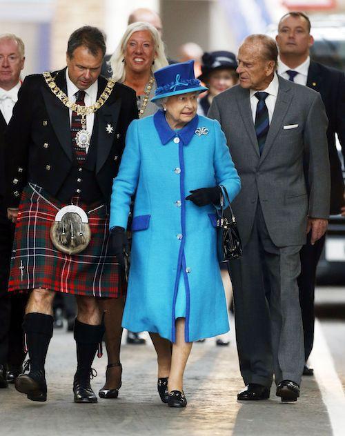 9 septembre 2015 : la reine inaugure une nouvelle ligne de chemin de fer en Ecosse