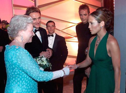 Elizabeth II et Jennifer Lopez