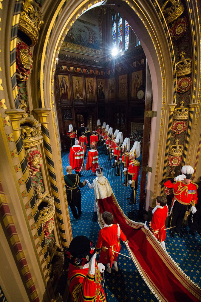 Photos : Elizabeth II : ses royales traditions ont la dent dure !