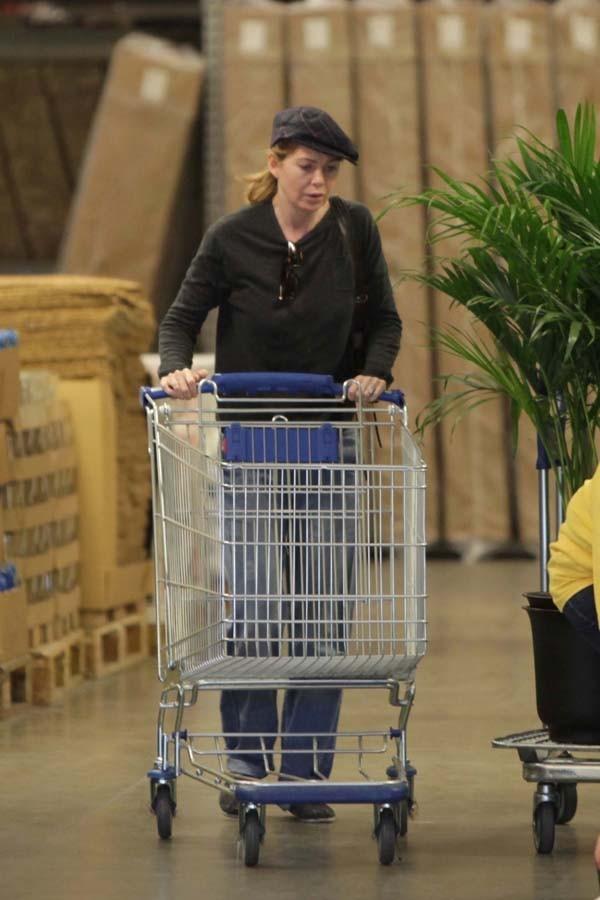 Ellen Pompeo dans un Ikea de Los Angeles hier !