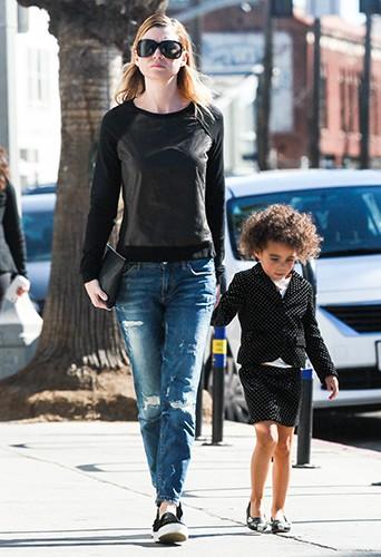 Ellen Pompeo en balade avec sa fille à Los Angeles le 1er février 2014