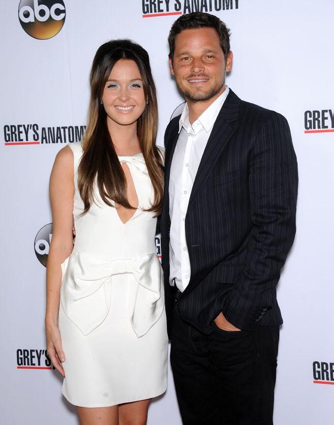 Camilla Luddington et Justin Chambers fêtant le 200ème épisode de Grey's Anatomy à Hollywood le 28 septembre 2013