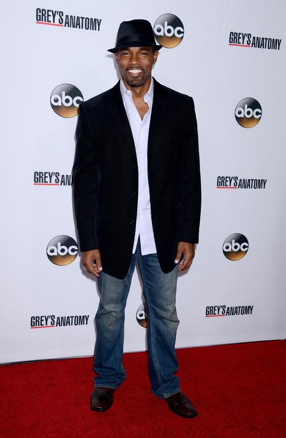Jason George fêtant le 200ème épisode de Grey's Anatomy à Hollywood le 28 septembre 2013
