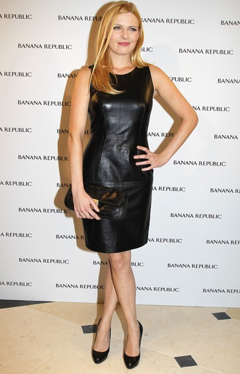 Elodie Frégé à l'inauguration de la boutique Banana Republic hier à Paris
