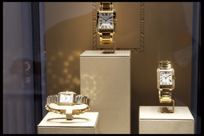 Montres Tank Anglaise by Cartier