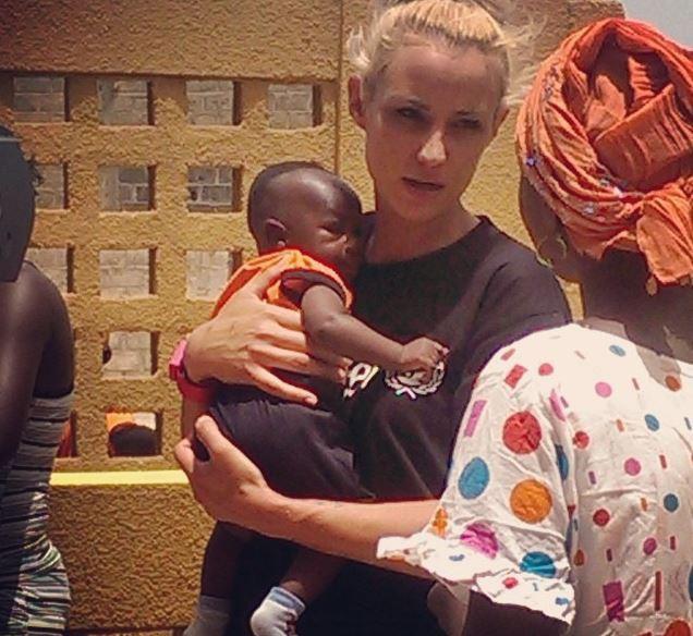 Photos : Elodie Gossuin : en mission pour l'Unicef à Dakar !