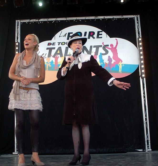 Elodie Gossuin et Geneviève de Fontenay à la Foire de Romans aujourd'hui !