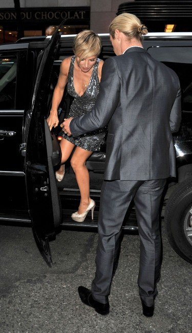 Elsa Pataky et Chris Hemsworth arrivent à la soirée Oceana Ball à New York, le 8 avril 2013.