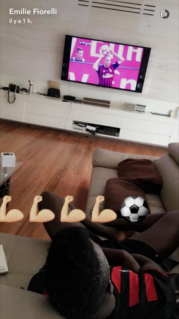 M'Baye Niang et Émilie complices sur Snapchat