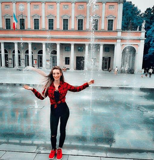 Photos : Emilie Nef Naf affiche son corps de rêve sur Instagram !