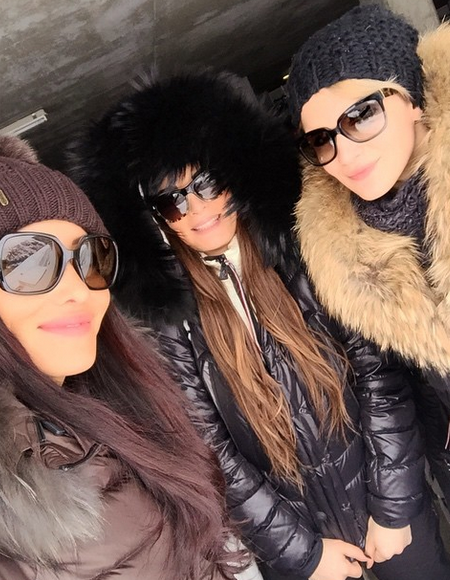 Photos : Emilie Nef Naf et Sidonie Biemont : wags sexy pour festoyer en Suisse !