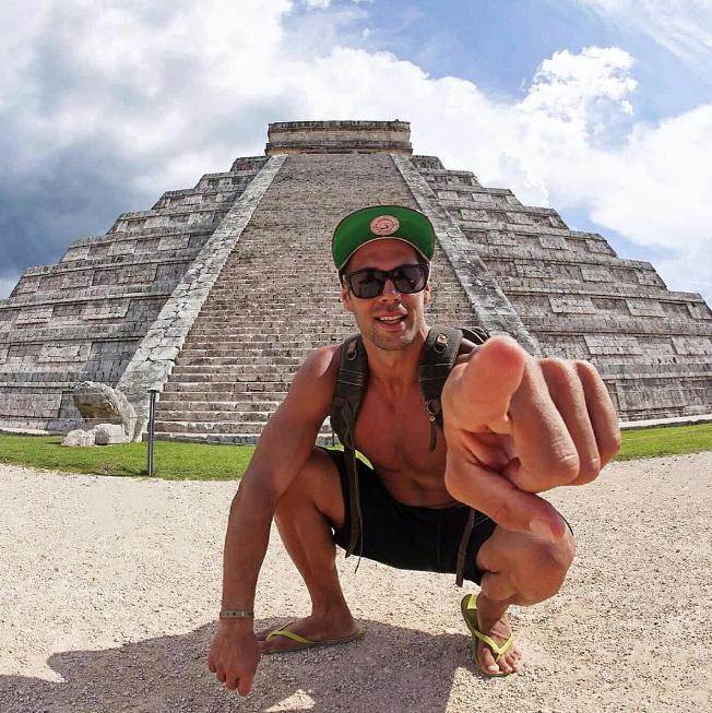 Bruno Cerella a posté quelques photos de son séjour au Mexique avec Emilie Nef Naf