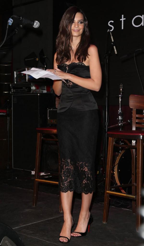 Emily Ratajkowski à New-York le 8 février 2015
