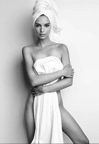 Emily Ratajkowski fête ses 25 ans ! Retour ses photos les plus hot !
