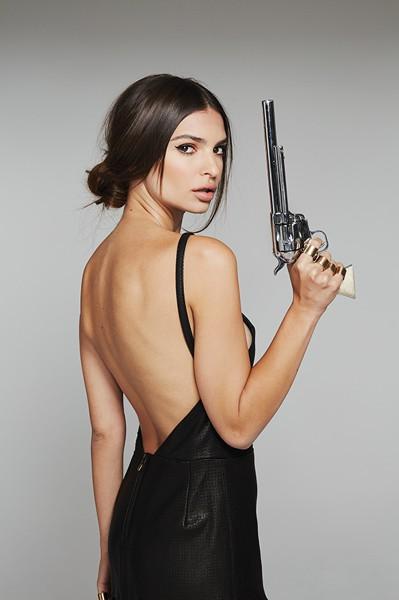Emily Ratajkowski, la célibataire la plus sexy du moment ?