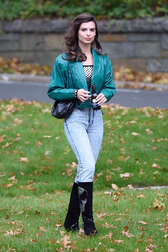 Emily Ratajkowski en toournage à New-York le 14 octobre 2015