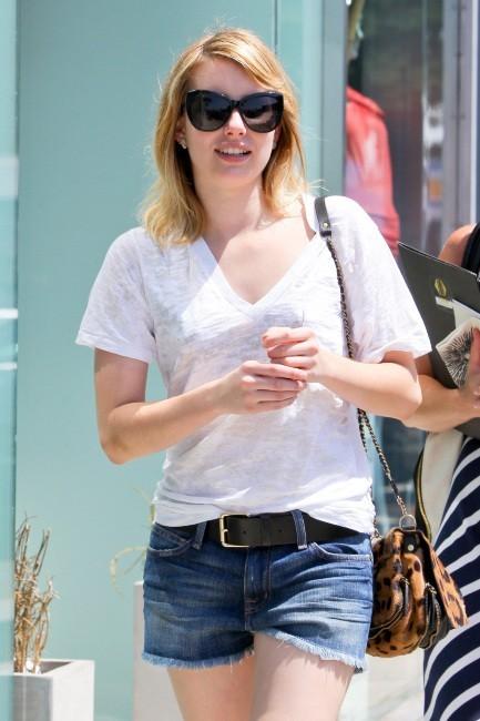 Emma Roberts, les cheveux plus courts