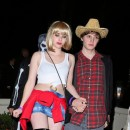 Emma Roberts et Evan Peter, Los Angeles, 27 octobre 2012.