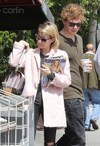 Emma Roberts et Evan Peters à Los Angeles le 1er avril 2014