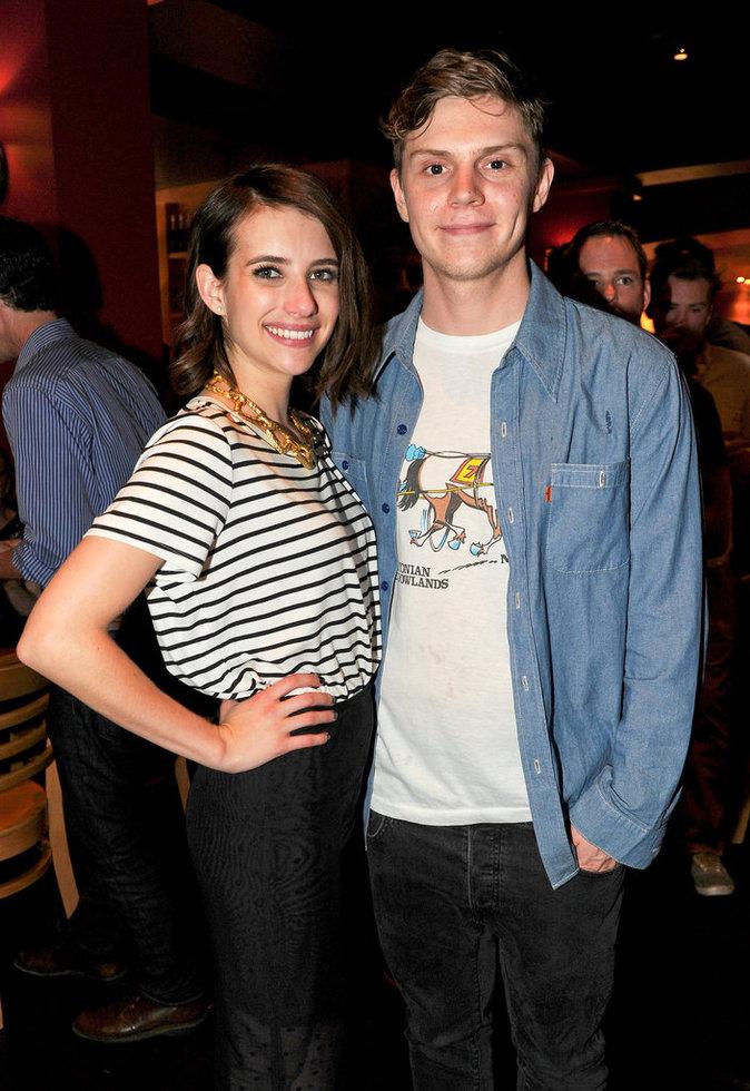 Emma Roberts et Evan Peters se sont fiancés (pour la deuxième fois) !