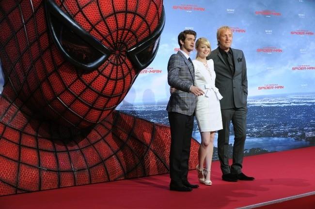 Andrew Garfield, Emma Stone et Rhys Ifans lors de la première de The Amazing Spider-Man à Berlin, le 20 juin 2012.