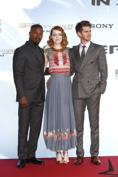 """Jamie Foxx, Emma Stone et Andrew Garfield lors de la première de """"The Amazing Spider-Man : le destin d'un Héros"""" à Berlin, le 15 avril 2014."""