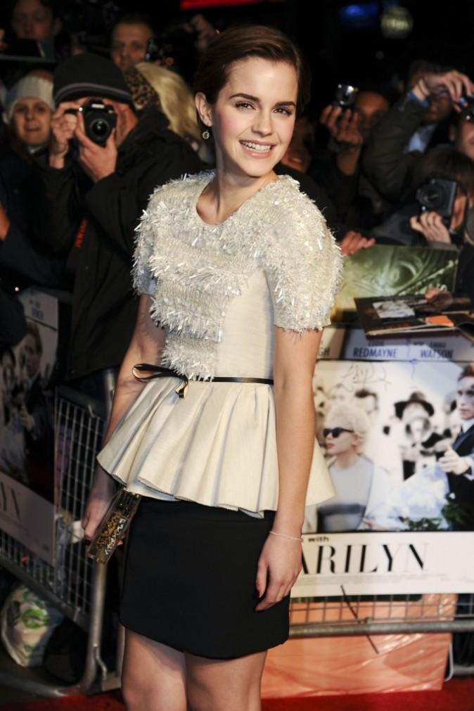 Emma Watson lors de la première londonienne du film My Week With Marilyn, le 20 novembre 2011.