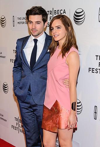 Roberto Aguire et Emma Watson à New York le 20 avril 2014