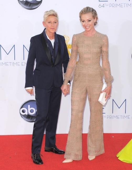 Ellen DeGeneres et Portia De Rossi lors des Emmy Awards à Los Angeles, le 23 septembre 2012.