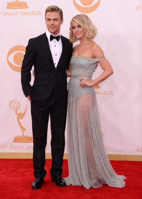 Derek et Julianne Hough lors de la cérémonie des Emmy Awards à Los Angeles, le 22 septembre 2013.