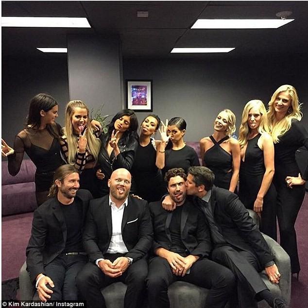 Kendall, Kylie, Brody, Casey, Burt et Brandon Jenner aux côtés de Khloe Kim et Kourtney Kardashian le 15 juillet 2015