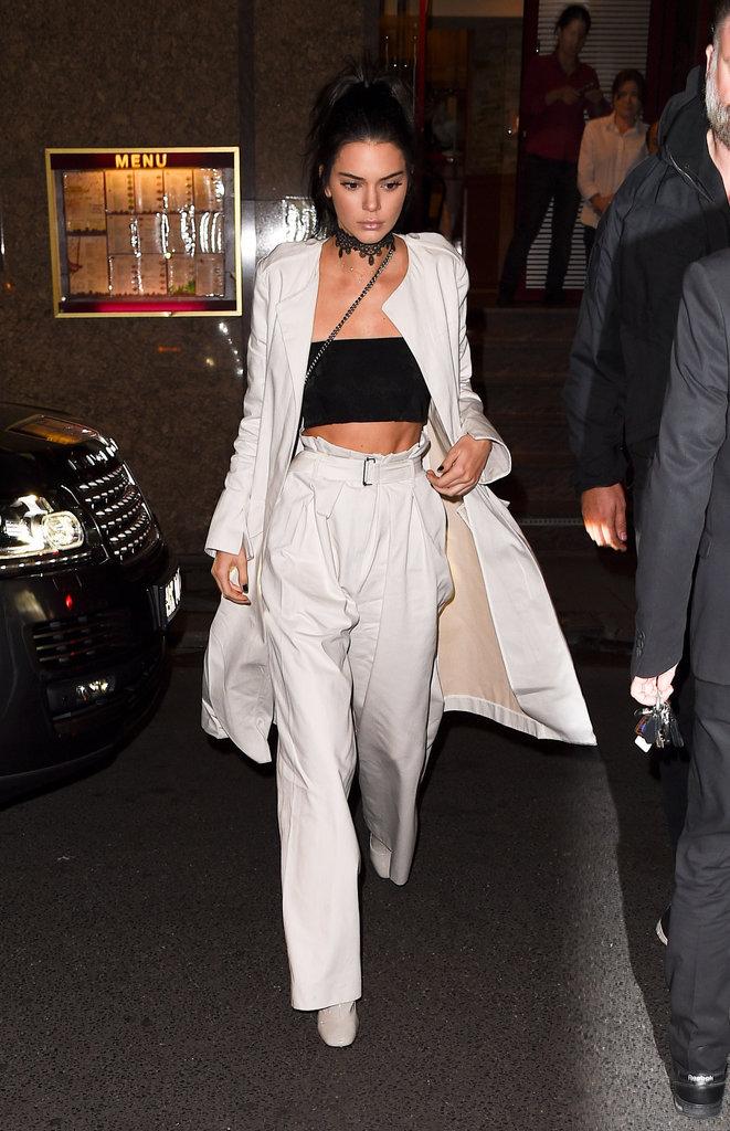 """Kendall Jenner arrive au restaurant """"Kinu"""" à Paris le 1er octobre 2016"""