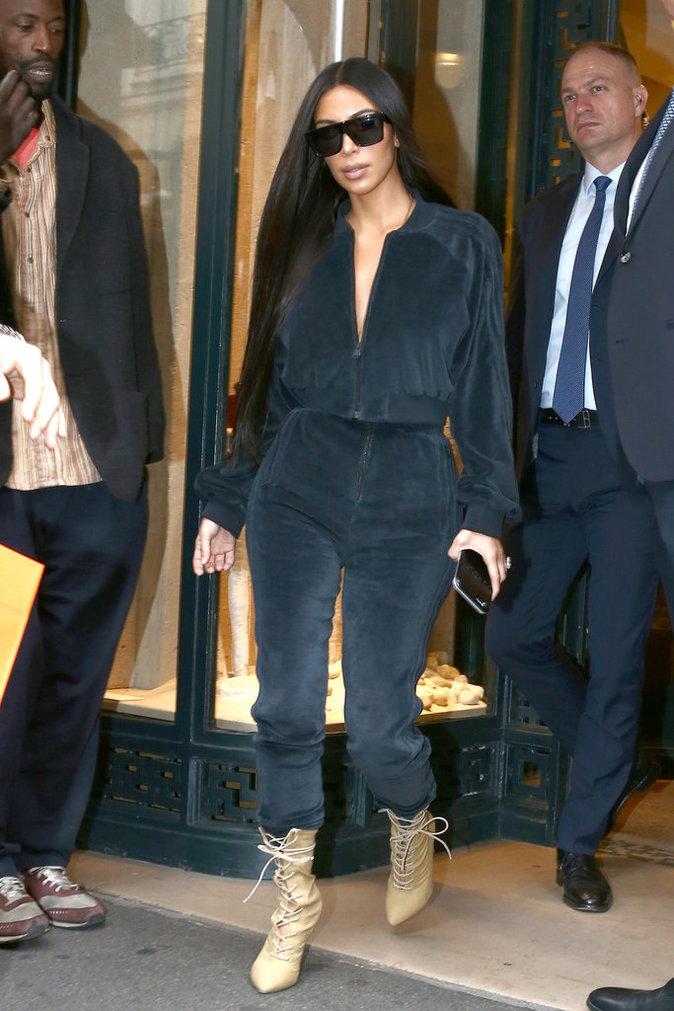 Kim Kardashian fait du shopping à Paris le 1er octobre 2016