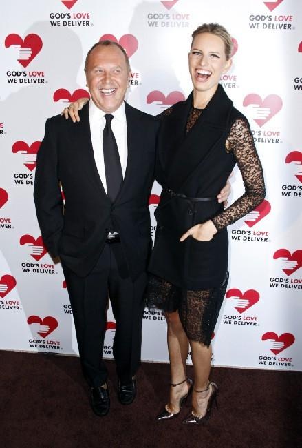 "Karolina Kurkova et Michael Kors lors de la soirée ""God's Love We Deliver Golden Heart Awards Celebration"" à New York, le 15 octobre 2012."