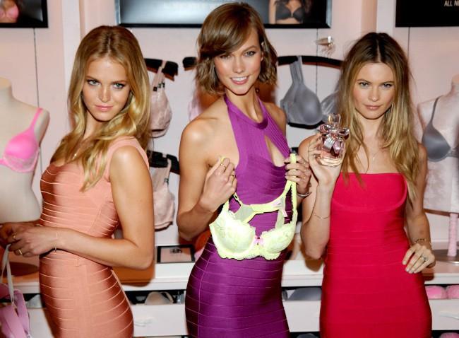 Erin Heatherton, Karlie Kloss et Behati Prinsloo en promo pour Victoria's Secret à New York, le 30 juillet 2013.