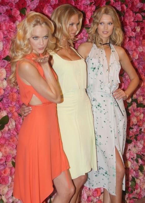 Lindsay Ellingson, Erin Heatherton et Toni Garrn à New York, le 17 avril 2012.