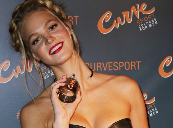 Photos : Erin Heatherton : petit corset en cuir pour un maximum d'effet sexy !