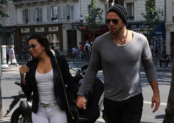 Eva Longoria et Ernesto Arguello dans les rues de Paris, le 9 juillet 2013