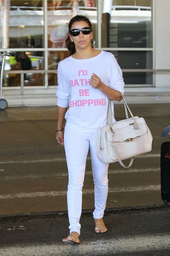 Eva Longoria à l'aéroport de Los Angeles le 16 août 2013