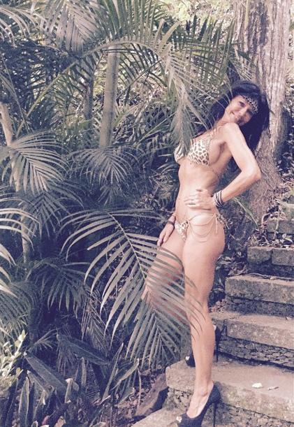 Nathalie des Anges 7, 40 ans passés et toujours sexy en bikini !
