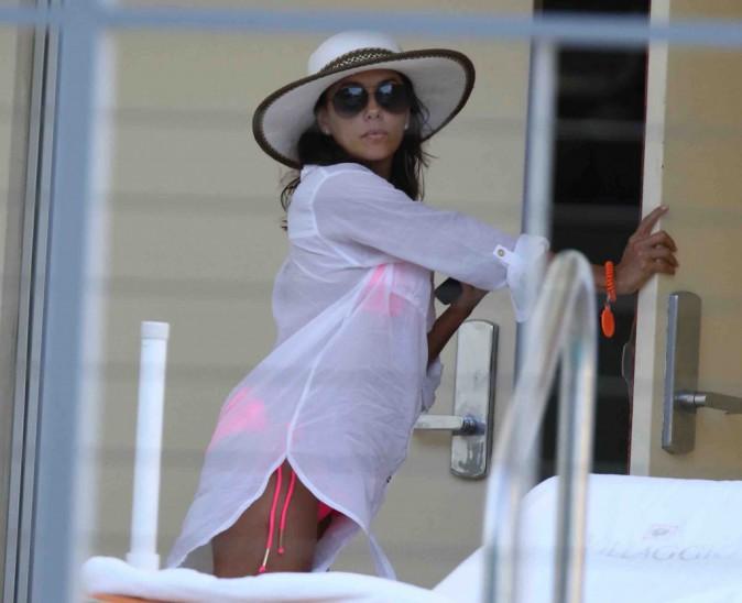 Eva Longoria : détente à Miami pour fêter Pâques !