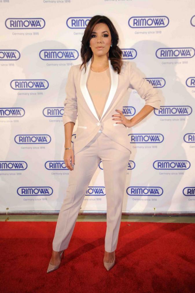 Eva Longoria : en jupe ou pantalon, elle reste canon !