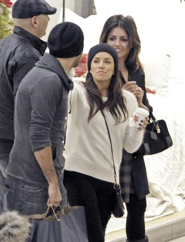 Le toyboy a présenté Eva Longoria à sa famille...ici avec Monica Cruz
