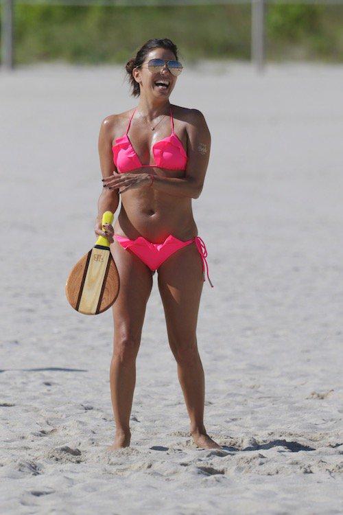 Photos : Eva Longoria : la petite bombe flashy s'éclate à Miami !