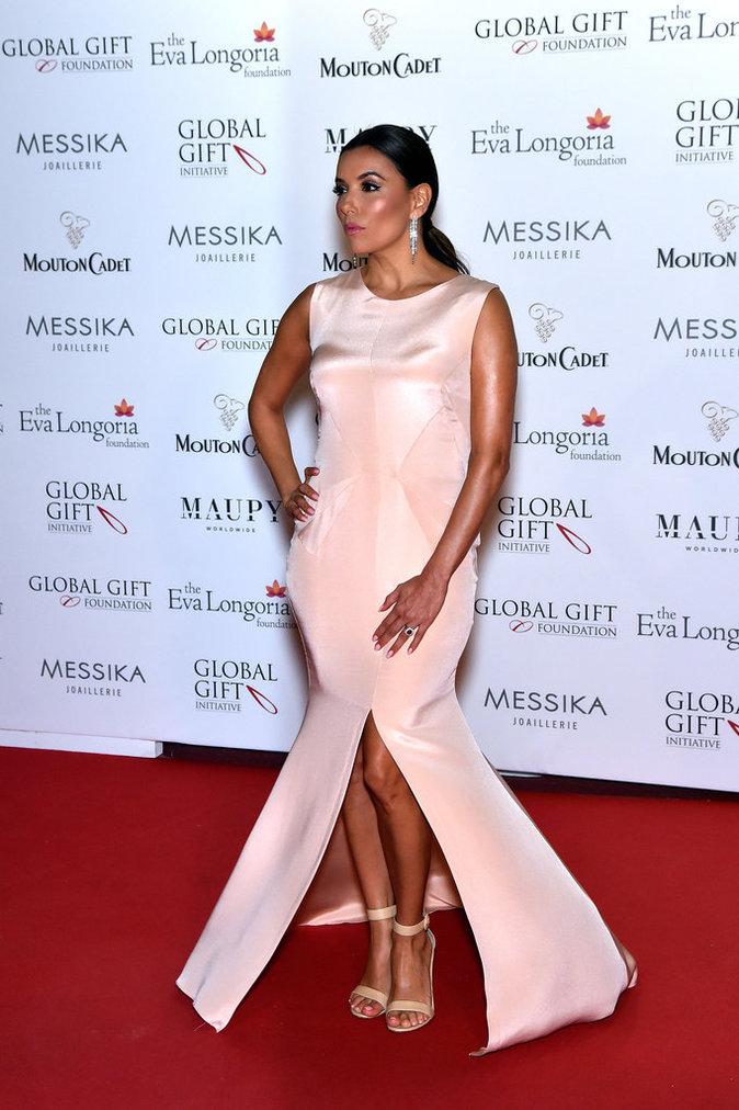 Eva Longoria lors du photocall pour le dîner du Global Gift Gala organisé dans le cadre du 69 ème Festival de Cannes