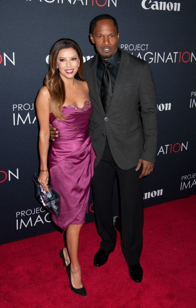 """Eva Longoria et Jamie Foxx lors du """"Canon's Project Imaginat10n Film Festival"""" à New York, le 24 octobre 2013."""