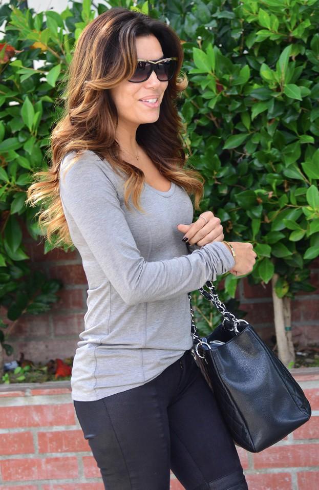 Eva Longoria à la sortie du salon de Ken Paves à Los Angeles le 3 décembre 2013