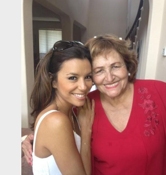 Eva Longoria avec sa maman Ella Eva le 25 août 2012
