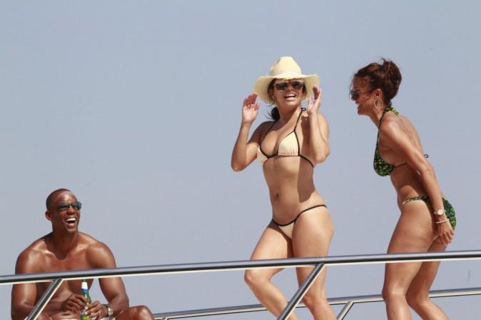 Eva Longoria : Sur son yatch, elle s'éclate comme une folle !