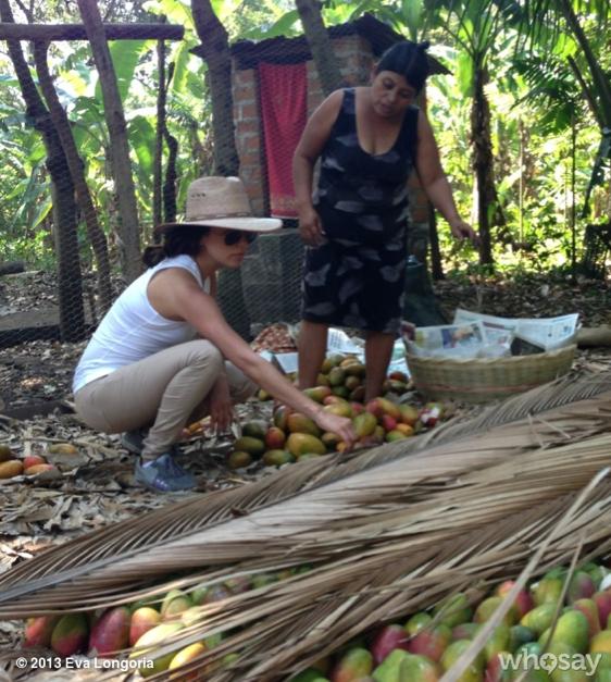 Eva Longoria en visite au Salvador !